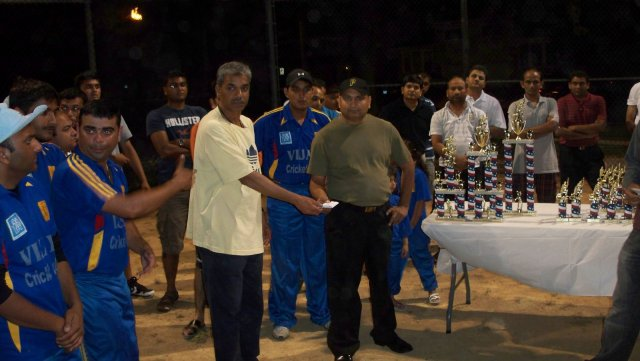 vjiay night cricket final 010